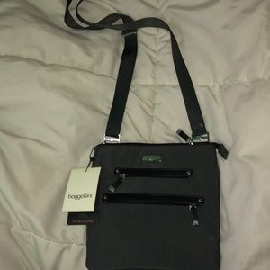 baggallini crossbody bag NEW WITH TAG